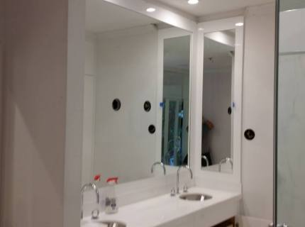 Custom-Mirrored-Walls-Picture-10