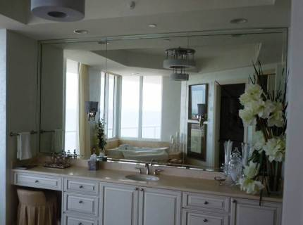 Custom-Mirrored-Walls-Picture-33