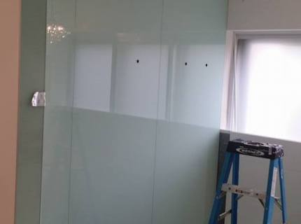 Custom-Mirrored-Walls-Picture-37