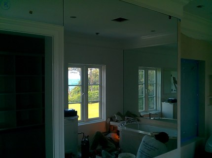 Custom-Mirrored-Walls-Picture-41